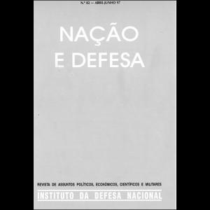 Capa da revista Nação & Defesa nº82. Instituto da Defesa Nacional